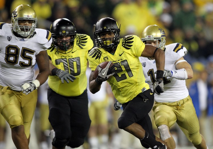 Oregon Football: Ranking the Ducks' 2010-2011 Uniforms | Bleacher ...