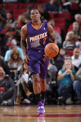 https://i1.wp.com/cdn.bleacherreport.net/images_root/slides/photos/003/387/534/183790909-eric-bledsoe-of-the-phoenix-suns-moves-the-ball-up_display_image.jpg