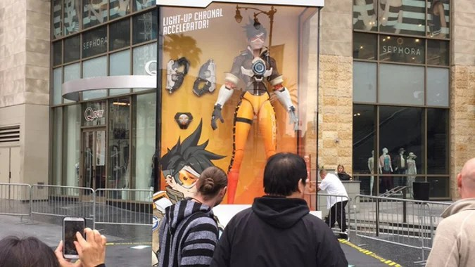 Giant Overwatch Action Figures Appear In Hollywood Paris