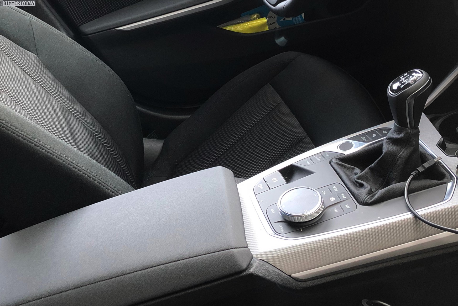 The 6-speed manual gearbox for the market launch is available only for the  four-cylinder diesel 318d and 320d, all other models are equipped as  standard ...