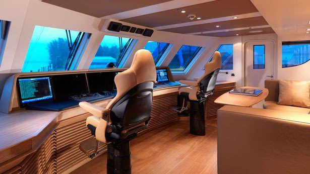 Moonens Submarine Carrying 42m Flagship Sofia Boat