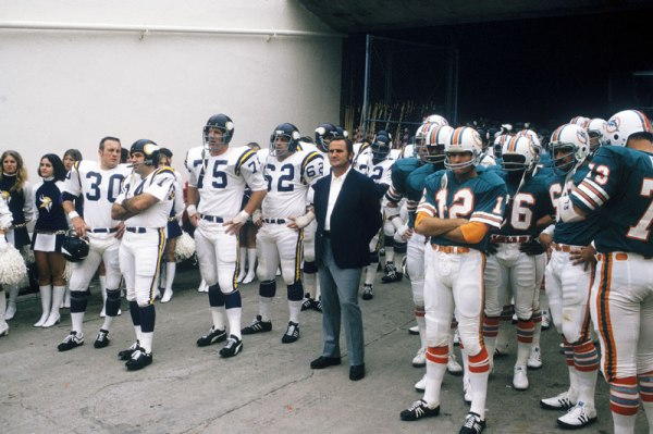 44 years ago the Dolphins beat the Vikings 24-7 Super Bowl ...