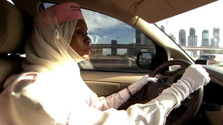 Dubai: taxi fleet for women, united arab emirates