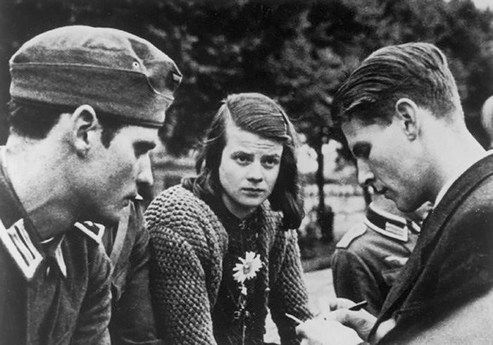 Sophie Scholl and other members of The White Rose