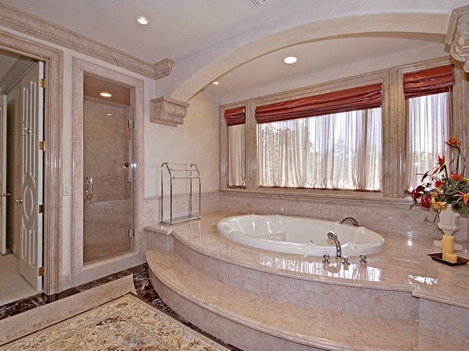 marble-bathub
