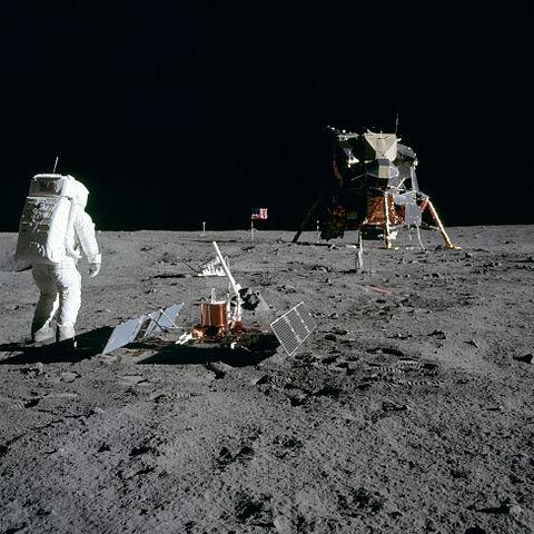 apollo-moon-landing