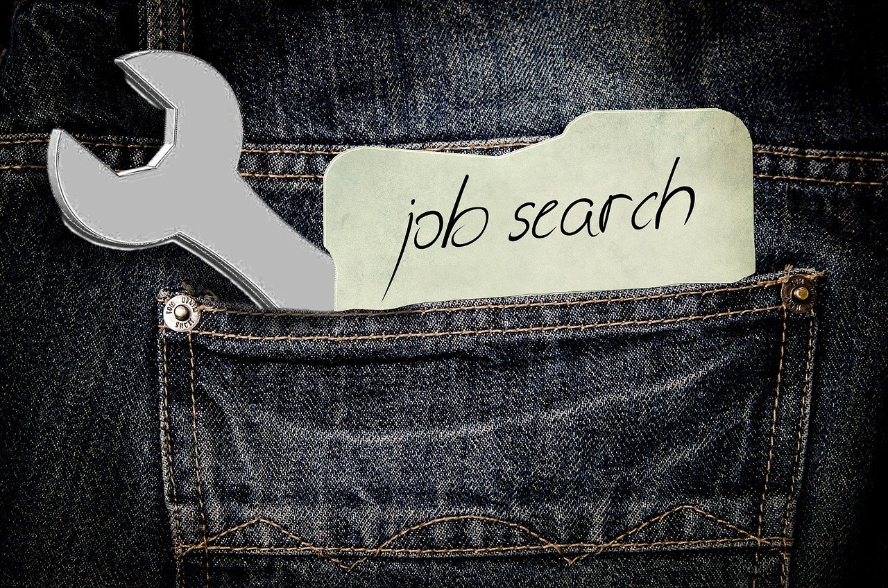 How to Write a Resume -- paper that says pb search