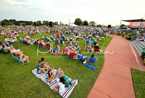 Hundreds of music lovers turned out to enjoy the outdoor concert by the Charlotte Symphony.
