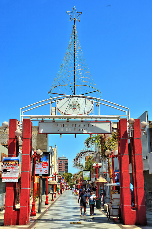 Main Shopping District in Arica, Chile | Encircle Photos