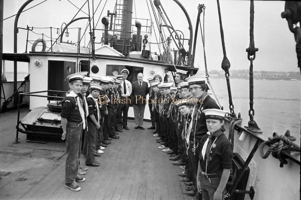 Image Sea Scouts on board Albatross Lightship D945-392.jpg ...