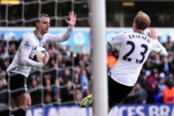 Eriksen, Tottenham 2013-2014, esulta