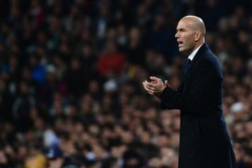 zidane, real madrid, applaude, 2016/17
