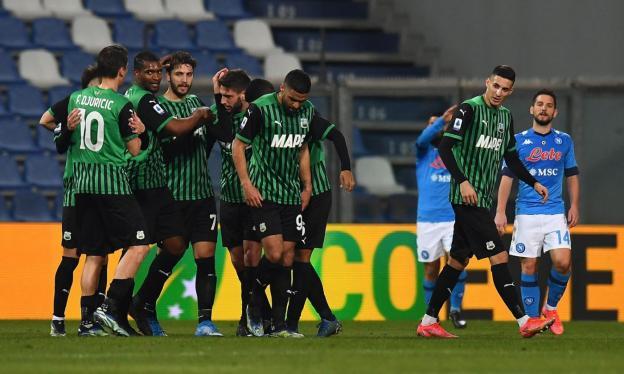 Un folle Sassuolo-Napoli finisce 3-3 con 3 rigori. Harakiri Manolas al  94esimo, il pari non serve a nessuno   Serie A   Calciomercato.com