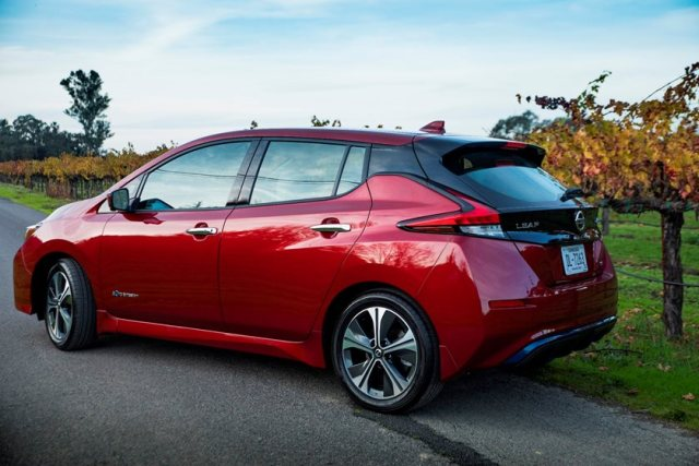 2021 nissan leaf review trims specs price new