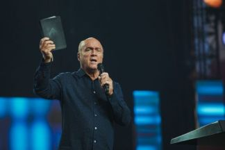 Greg Laurie Hopes to Return to Pulpit Next Sunday as He Thanks Supporters for Their Prayers and Says Coronavirus Symptoms 'Were Never That Bad'