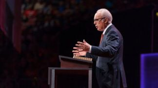 Los Angeles County Reportedly Seeking Restraining Order Against John MacArthur's Grace Community Church to Stop Indoor Services