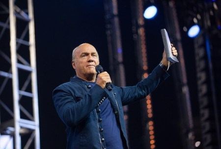 Greg Laurie Tests Positive for Coronavirus Plague After Attending SCOTUS Nomination at White House