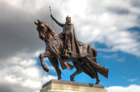 Archdiocese of St. Louis in Missouri Defend Statue of France's King Louis IX After Protesters Tried to Tear It Down Because He Persecuted Jews and Muslims