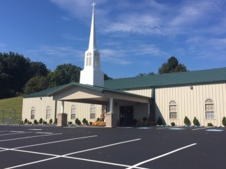 Tennessee Church Gives ,000 to Every Member of Local Police Department in 'Bold Statement of Support'