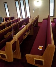 Illinois Church Installs Plexiglas Barriers Between Pews to Help Curb Spread of Coronavirus