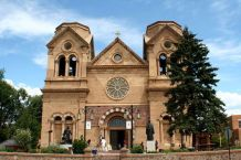 Priests in Santa Fe, New Mexico, Allegedly Threatened With Suspension If They Preach Longer Than Five Minutes During Coronavirus Pandemic