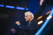 In First Interview Since Cancer Diagnosis, Ravi Zacharias Says Severe Physical Pain Has Been the 'Biggest Challenge', But Believes 'Prayers of the People and God's Strength' Will Carry Him Through