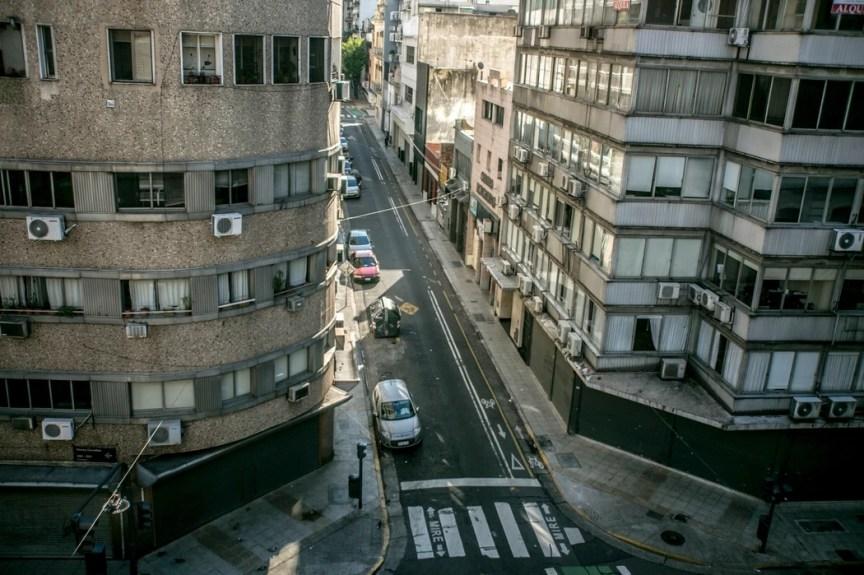 Buenos Aires, en cuarentena desde el 20 de marzo, confirmó este lunes su primer caso de coronavirus comunitario