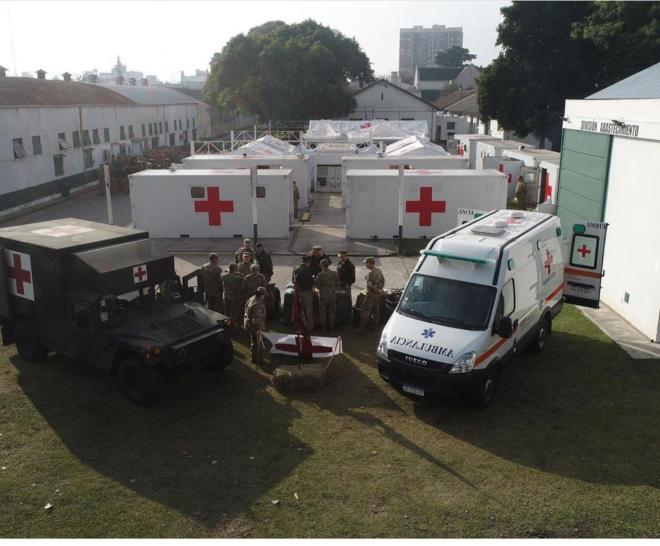 En campo de mayo preparan un hospital reubicable