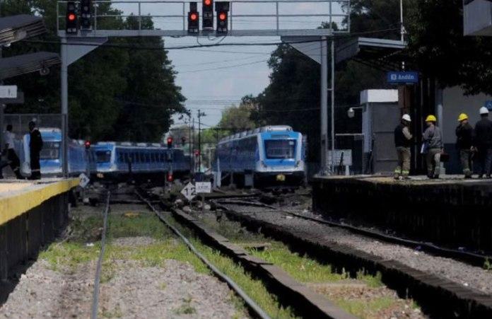 Urgente: el tren Sarmiento con servicio limitado por un accidente