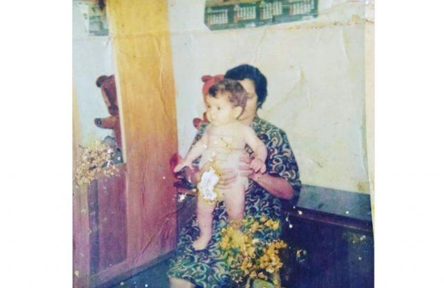 Lizy junto a su abuela (IG lizytagliani)