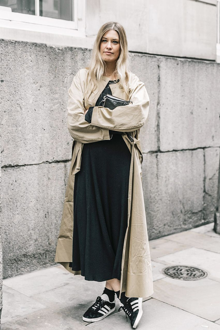 3e941d0bc5 Outfits With Black Maxi Skirts
