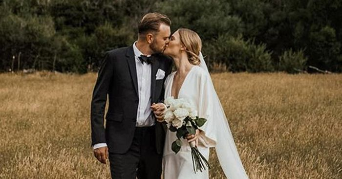 Second-Hand Wedding Dresses In The UK: How To Buy And Sell