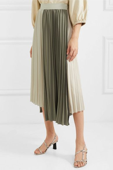 These 11 Summer It Skirts Are Giving Jeans a Run for Their Money