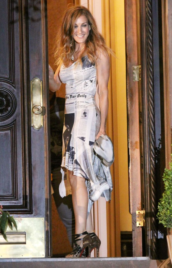 Kim Kardashian West Just Re-Created Carrie Bradshaw's Most Iconic Outfit