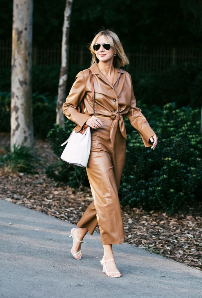 The 5 Things a Shopping Expert is Packing For Every Fashion Week