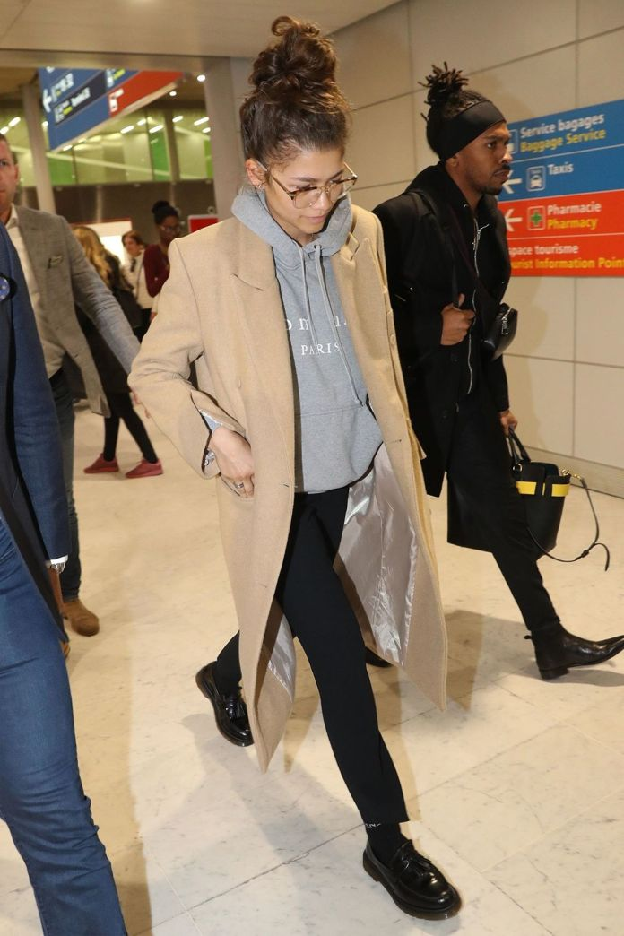 7 Really Comfortable-Looking Pieces Celebs Always Wear to the Airport