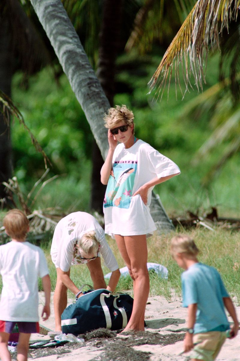 Princess Diana Is the Swimsuit Icon We All Need - Big4All.Org
