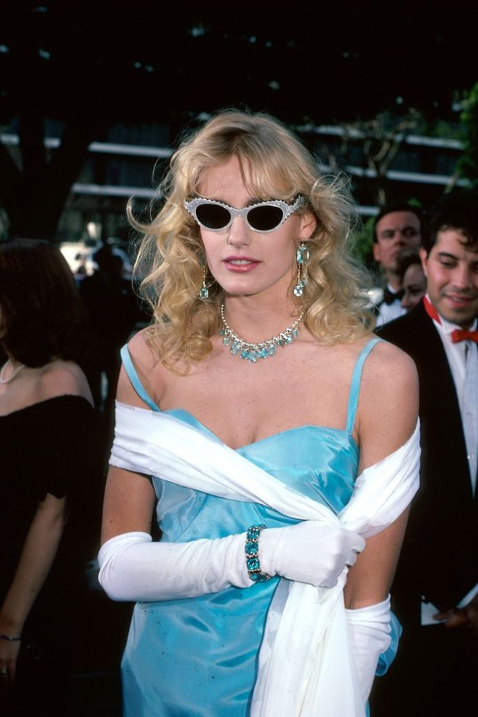 Eighties Fashion Trends: Gloves