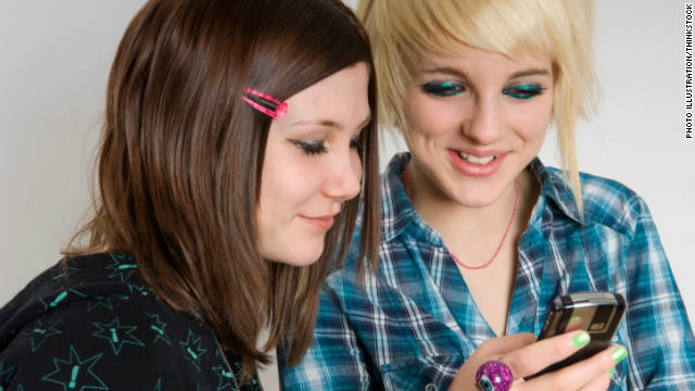 How girls use social media to build, break their image