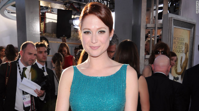 Ellie Kemper apologizes for participating in controversial contest as a teen