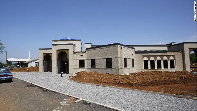 Vandals strike Tennessee mosque