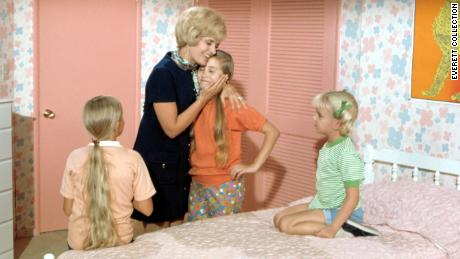 Eve Plumb, Florence Henderson, Maureen McCormick, Susan Olsen in Season 1 of 'The Brady Bunch'