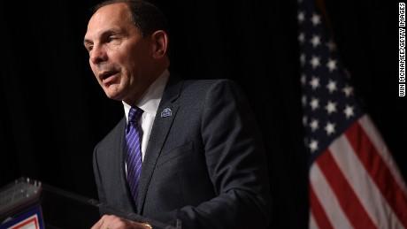 V.A. Secretary apologizes for lie - CNN Video