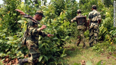 16 dead in suspected Maoist attack on police convoy in India