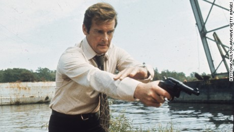 Roger Moore filming his first James Bond movie, 'Live and Let Die,' in 1973. (Photo by Keystone/Getty Images)