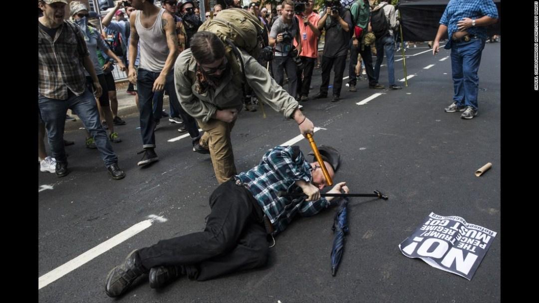 Resultado de imagem para violence in rallies in Washington, DC, on Sunday, the anniversary of last year's Charlottesville rally