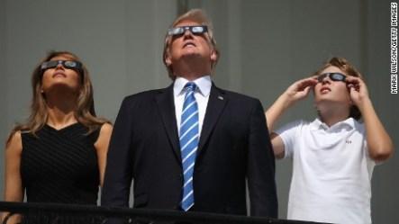 Resultado de imagen para donald trump and eclipse