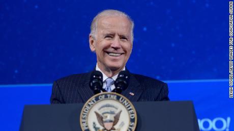 Biden lance la campagne d'acceptation de la famille LGBTQ