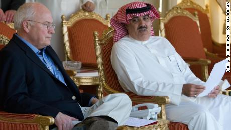 Former US Vice President Dick Cheney (L) meets with Prince Miteb bin Abdullah in March 2008 in Riyadh.
