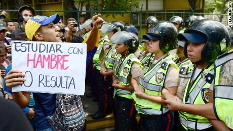 Amid mass exodus, Venezuela is losing its teachers